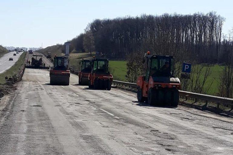 Фото ремонту дороги Київ-Одеса