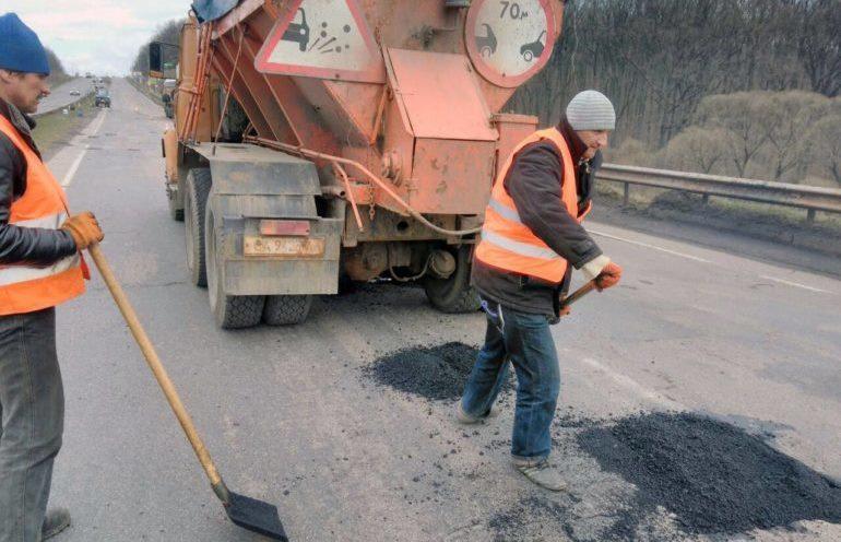 Фото ремонту доріг на Черкащині