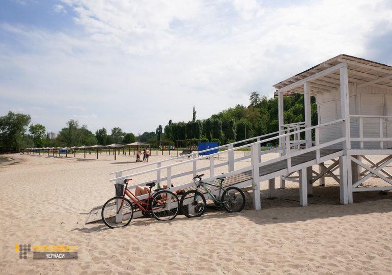 Фото рятувальної вежі на пляжі Казбетський