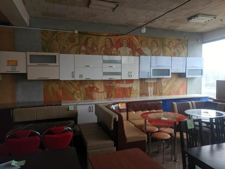 На черкаському автовокзалі знищують рідкісні фрески