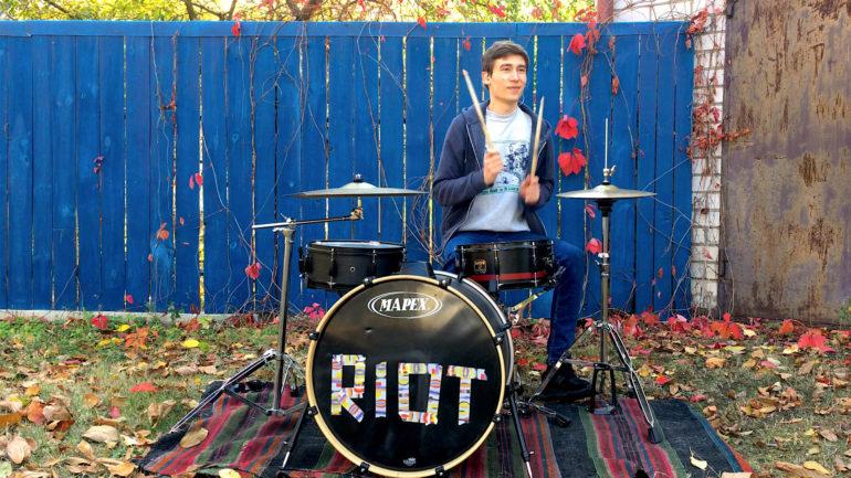 Віталій Сухомлин відмовився від кар'єри айтішніка, щоб займатися музикою